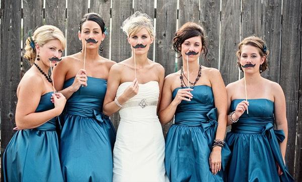 bride and bridesmaid funny wedding photo