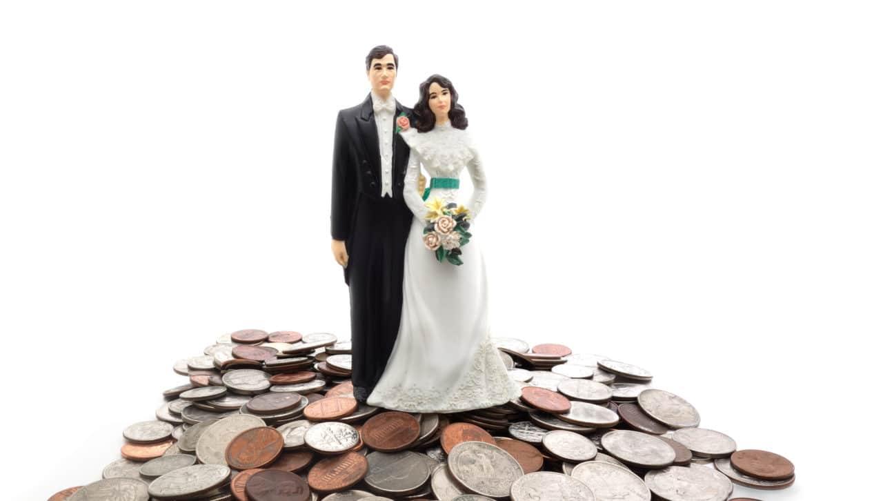 wedding cost etiquette