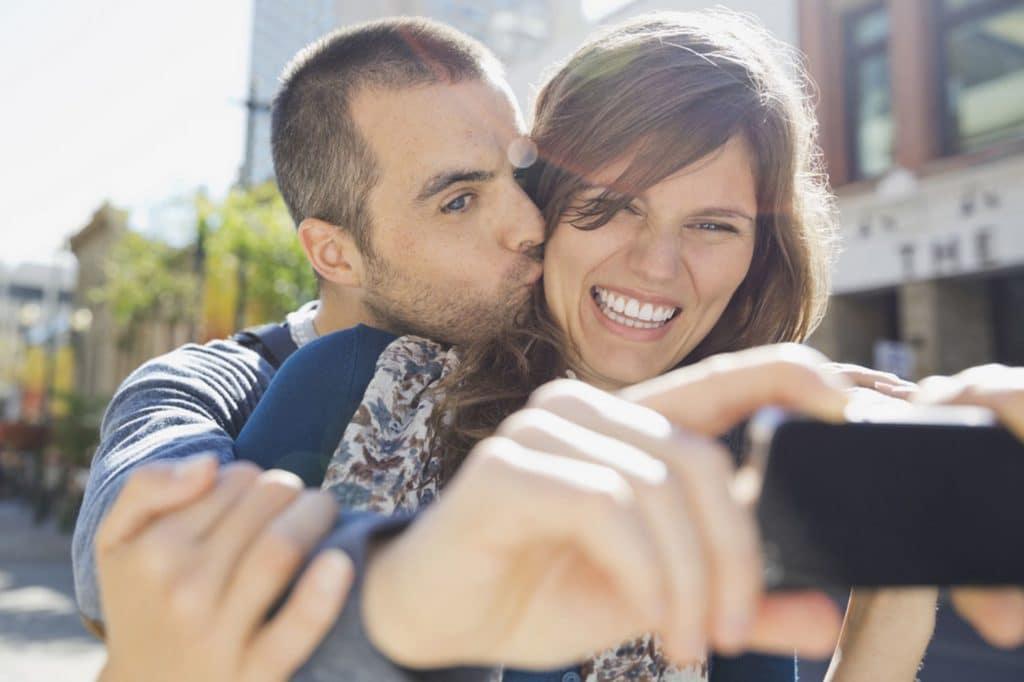 Engagement poses selfie