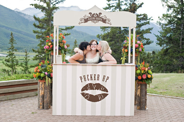 kissing booth for wedding photo booth