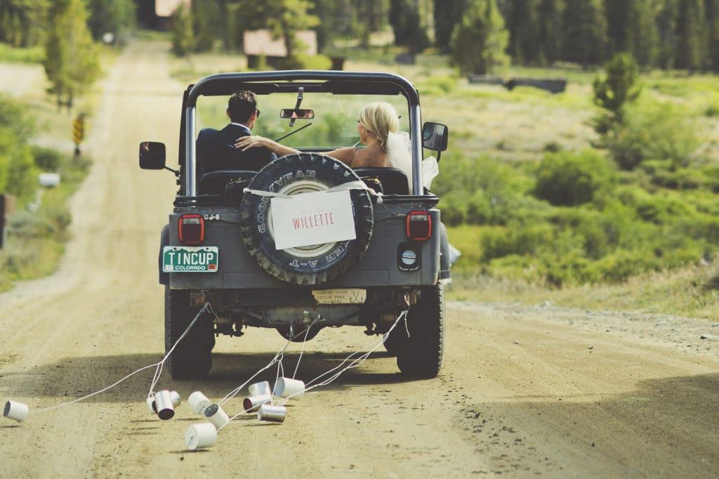 jeep wedding getaway car