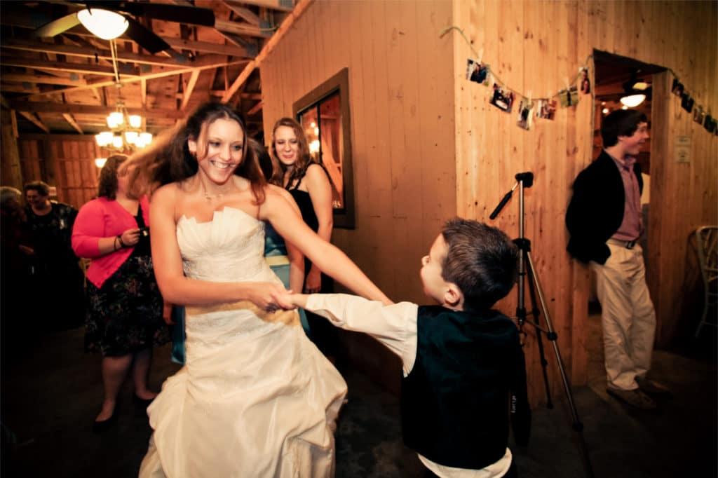 kids dance at wedding