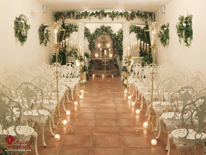 http://www.702wedding.com/wedding-chapels-in-las-vegas.asp