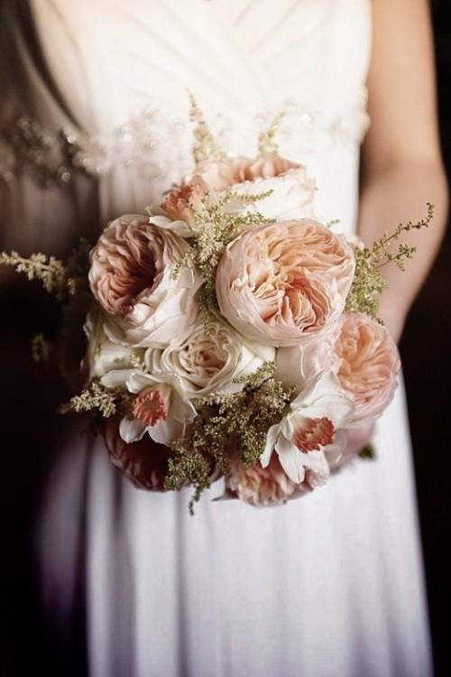 neutral wedding colors bouquet