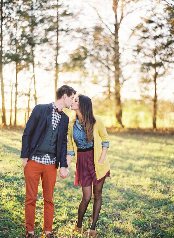 fall engagement photo outfits