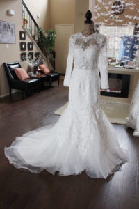 https://www.etsy.com/listing/295268745/fall-long-sleeves-lace-wedding-illusion?ga_order=most_relevant&ga_search_type=all&ga_view_type=gallery&ga_search_query=lace%20mermaid%20wedding%20dresses&ref=sr_gallery_32