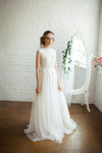 https://www.etsy.com/listing/399945701/tessa-light-vintage-wedding-dress-two?ga_order=most_relevant&ga_search_type=all&ga_view_type=gallery&ga_search_query=lace%20wedding%20dresses&ref=sc_gallery_1&plkey=3919ef9c40af7aa6d2ec5257f2d145e5dc112257:399945701