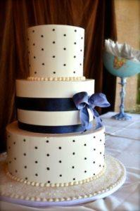 polka dot wedding cake ideas