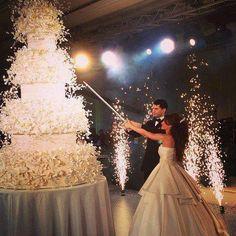 huge wedding cake ideas