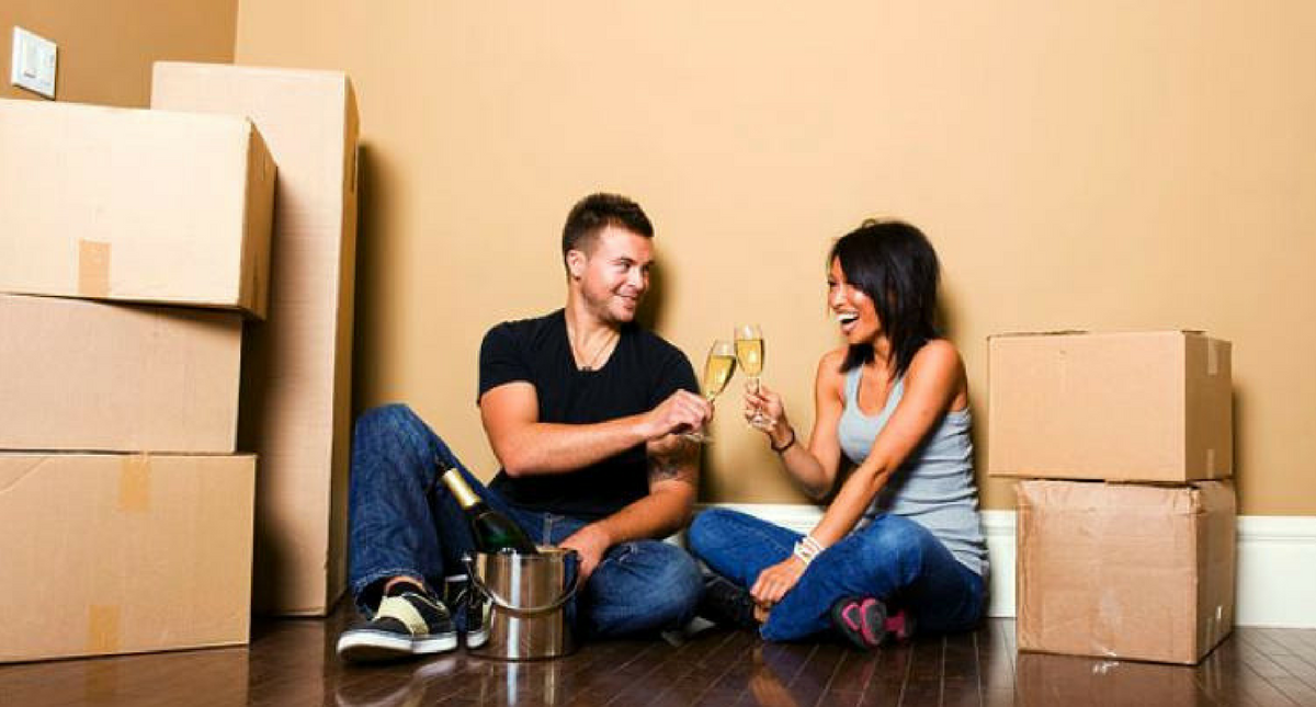 4 Pros and 4 Cons To Living Together Before Marriage