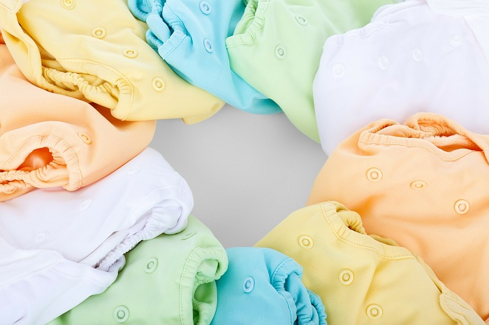 how to clean a cloth diaper, best cloth diapers, reusable diapers, washcloth, cloth diaper covers, how to use cloth diapers,how many cloth diapers do I need, how to wash cloth diapers, used cloth diapers, cloth diapering, how many diapers per day, best disposable diapers, how to clean cloth diapers, cheap cloth diapers, cloth diaper inserts, types of cloth diapers