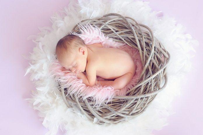 baby constipation, constipated baby, constipation in babies, baby is constipated, baby constipated, baby constipation remedy, prune juice for constipation, probiotics for constipation, baby laxative, constipated juice, banana constipation, baby not pooping, prune juice for babies, how to poop when constipated, how to make a baby poop,