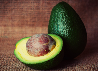 avocado oil uses, best oil for dry skin, avocado oil cooking, best oil for baking, avocado oil for face, avocado oil health benefits, benefit of avocado, avocado oil vs coconut oil, best avocado oil, what is avocado good for, avocado oil nutrition facts, avocado oil substitute, homemade daily moisturizer for face, avocado facial mask,