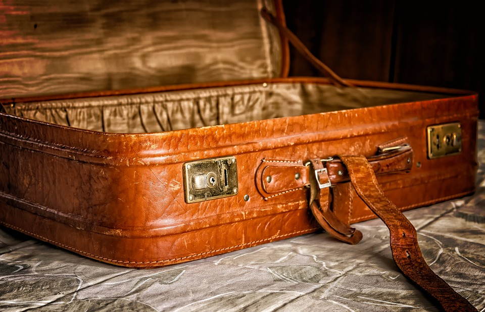 how to pack efficiently, pack up and go, best carry on luggage, how to pack a suitcase, space saver bags, packing hacks, travel suitcase, beach vacation packing list, how to fold clothes, rolling suitcase, best travel bag, how to use packing cubes, how to fold pants, where to buy luggage, how to pack a dress shirt, how to pack a carry on, vacation clothes